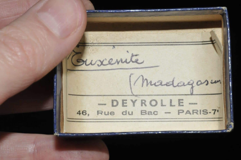 Euxenite de Madagascar (ex Deyrolle).