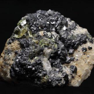 Sphalérite verte (Blende) avec Quartz et Sidérite , Allevard, Isère
