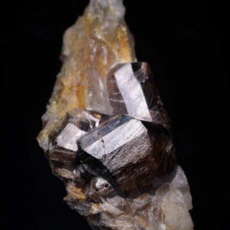 Cassitérite sur gangue de la mine de La Villeder au Roc Saint André (Morbihan).