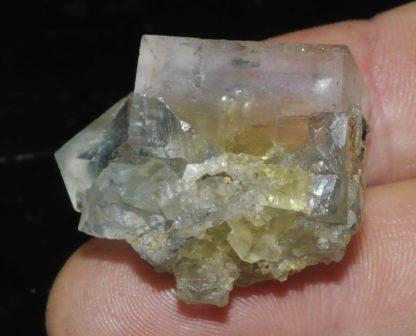 Fluorite à enveloppe bleue et à coeur jaune (mine du Burc).