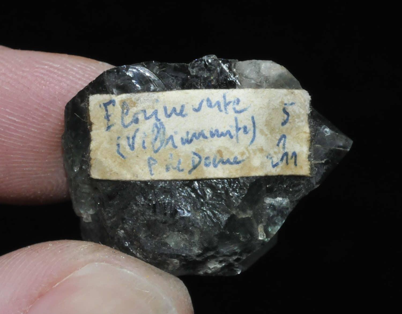 Fluorine verte (villiaumite) du Puy de Dôme.