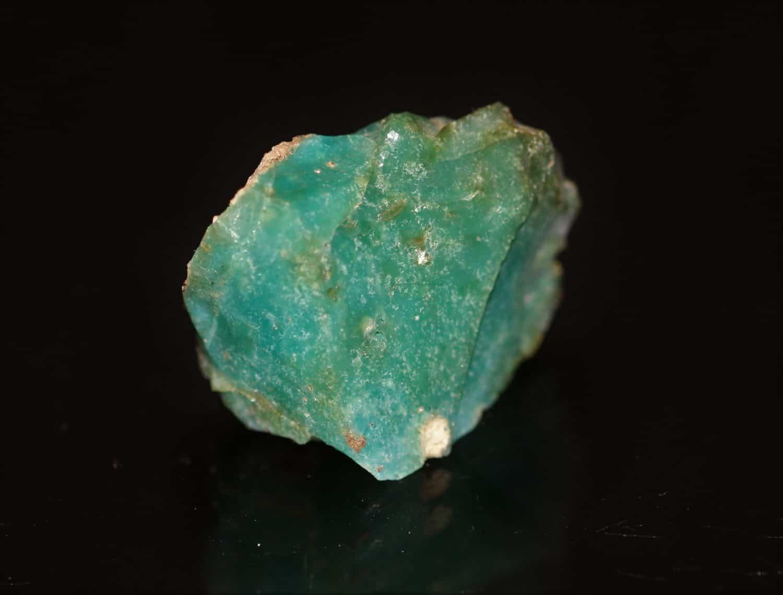 Opale de Biot dans les Alpes-Maritimes