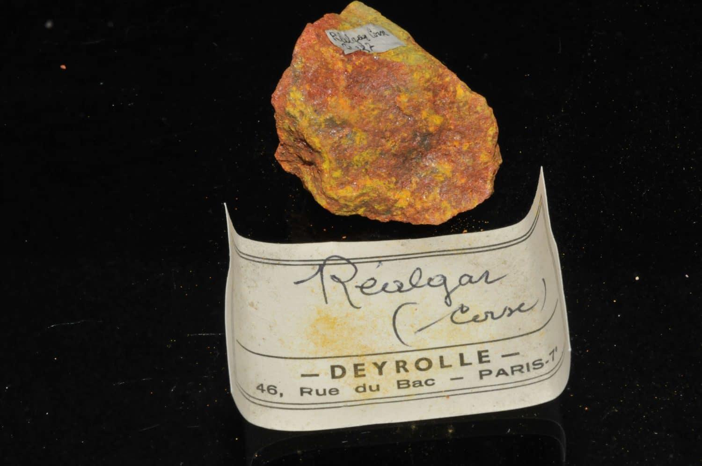 Réalgar de Corse (mine de Matra probablement, ex Deyrolle).