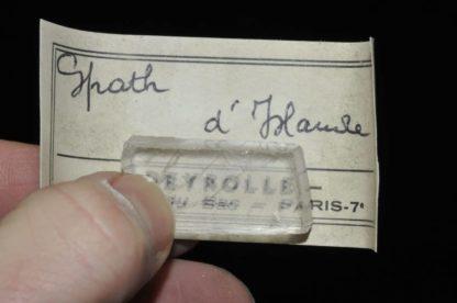 Spath d'Islande (calcite biréfringente).