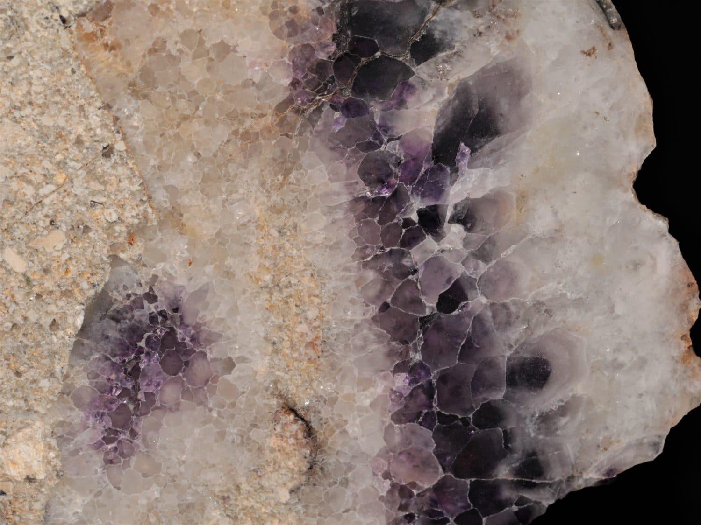Améthyste polie, Vernet-la-Varenne, taillerie de Royat, Puy-de-Dôme