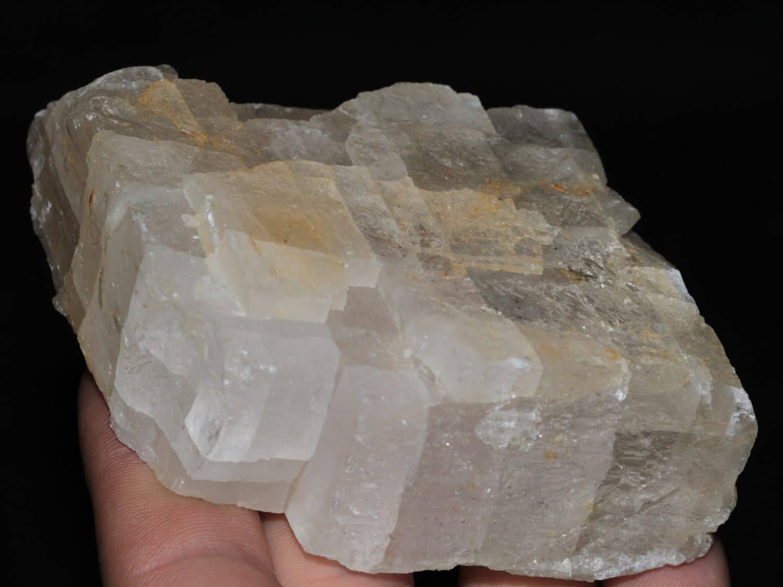 Gros cristal de barytine provenant de l'Avellan dans le Var