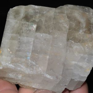 Gros cristal de barytine provenant de l'Avellan dans le Var.