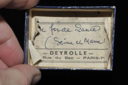 Gypse fer de lance (macle) de Seine et Marne (ex Deyrolle).