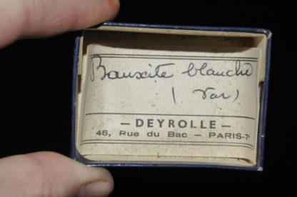 Bauxite blanche du Var (ex Deyrolle).