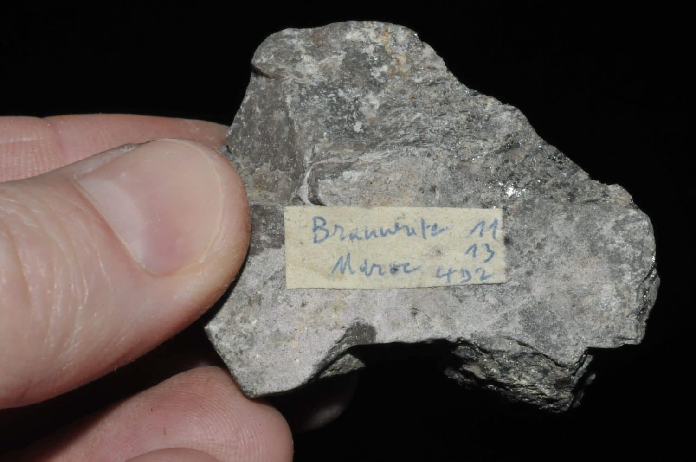 Brannérite du Maroc (minéral radioactif, ex Deyrolle).