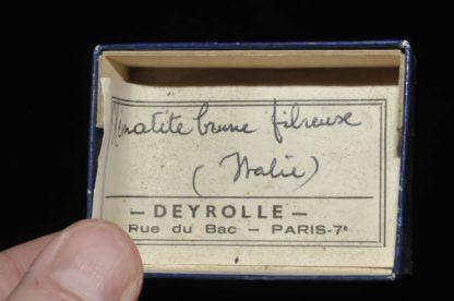 Hématite brune fibreuse d'Italie (ex Deyrolle).