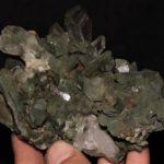 Groupe de quartz hyalin et chloriteux du Grand Chatelard en Maurienne (Savoie)