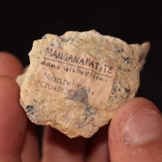 Manganapatite dans gilbertite, Montrebas, Creuse.