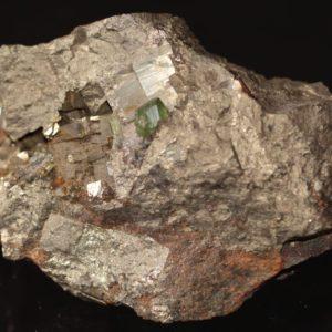 Ludlamite et pyrite, mine de Salsigne, Aude.