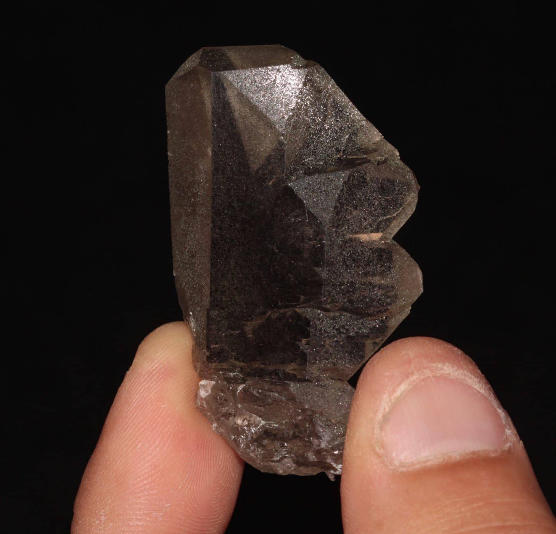 Gwindel, quartz fumé vrillé, Aiguille de Talèfre, Mont-Blanc, Haute-Savoie.