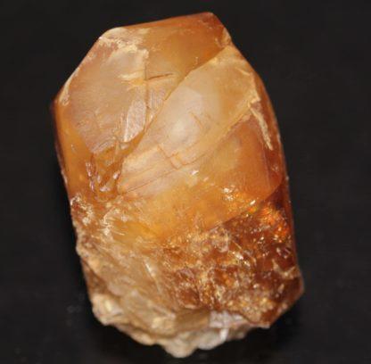 Macle convergente de calcite, Mont-sur-Marchienne, Belgique.