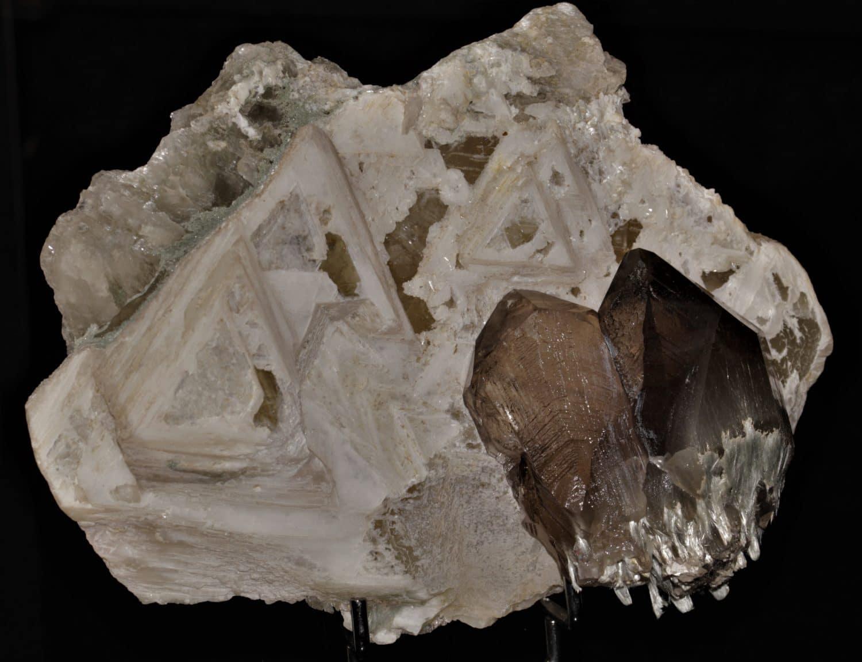 Quartz, calcite et byssolite, Massif du Mont-Blanc, Chamonix.