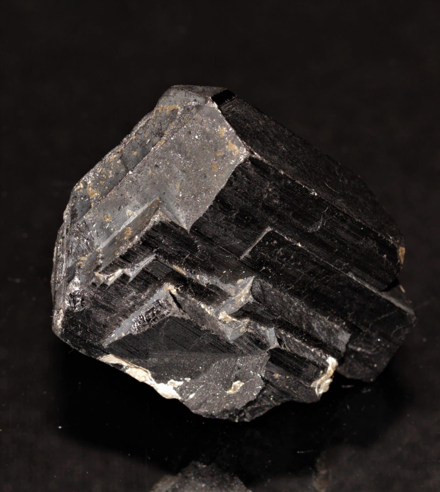 Wolframite (oxyde de tungstène), Panasqueira, Portugal.