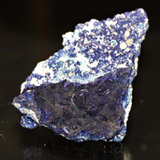 Azurite en rosace et quartz, Chessy-les-Mines, Rhône-Alpes.