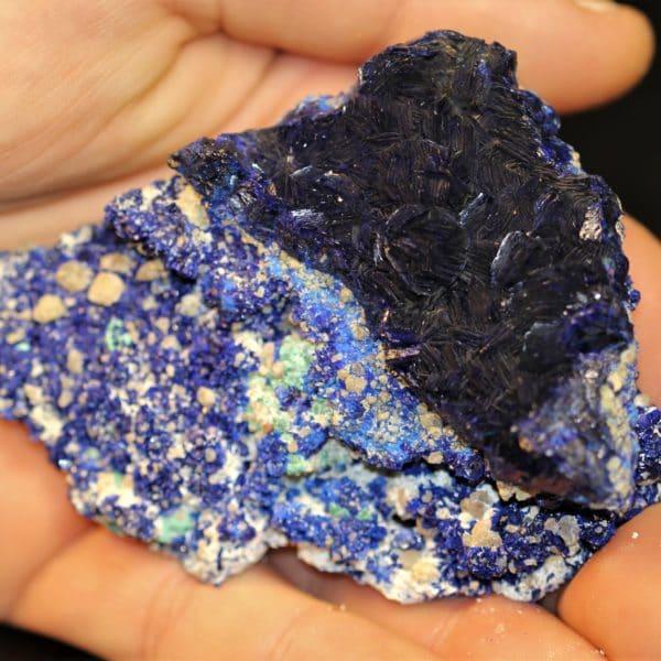 Cristaux d'azurite, halloysite et quartz, mine de Chessy, Rhône.