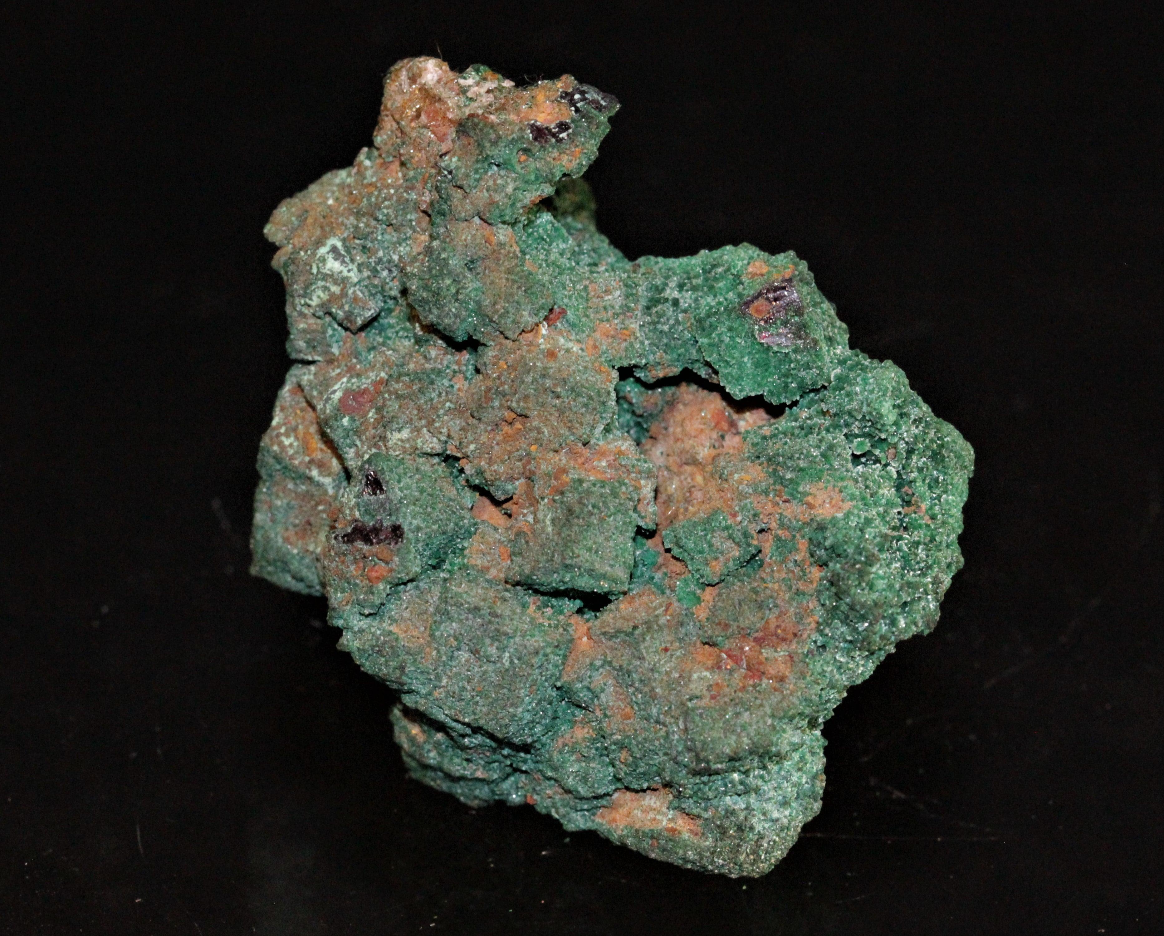 Cuprite pseudomorphosée en malachite de la mine d'Ogonja (Onganja) en Namibie.