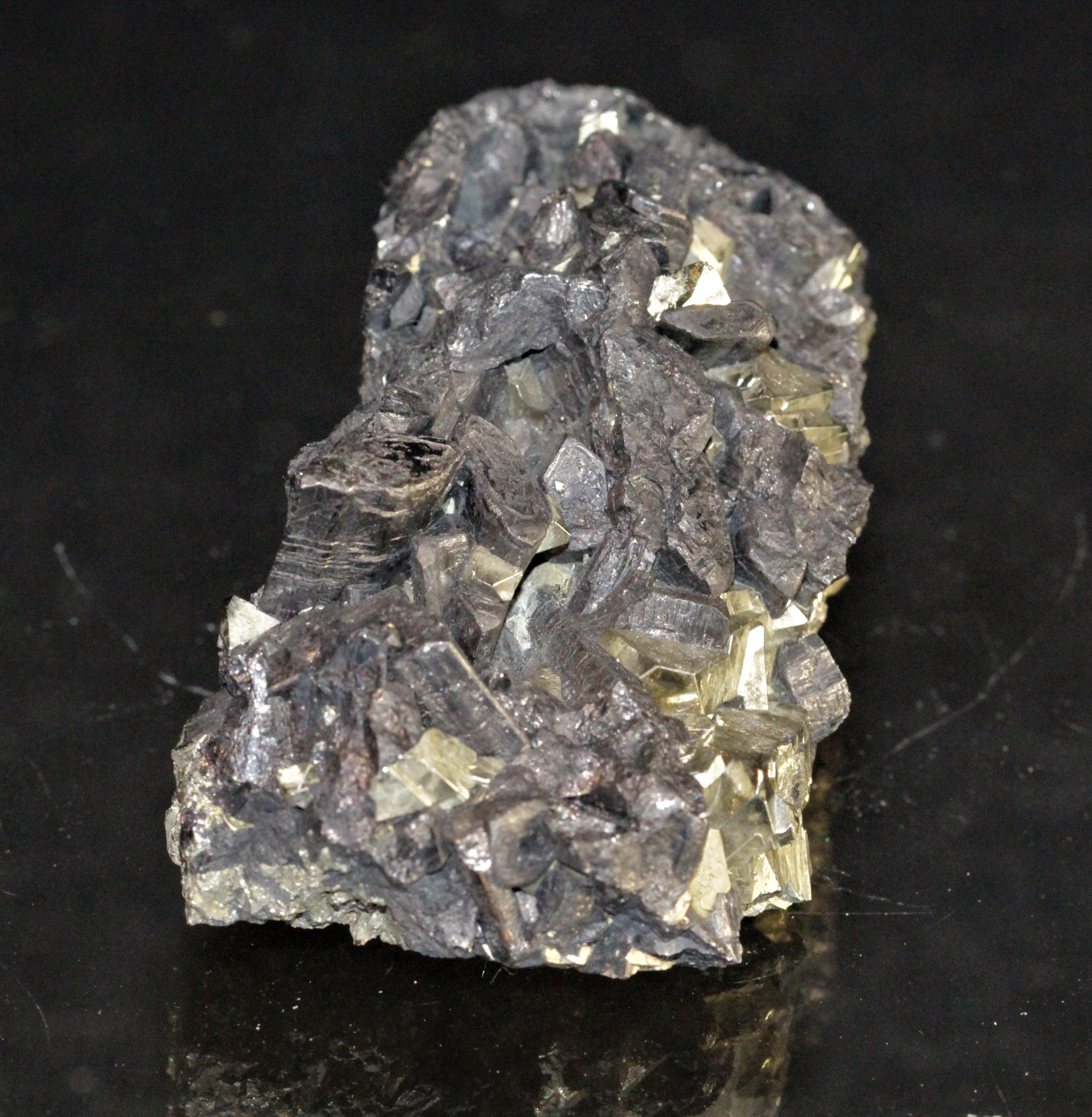 Enargite et pyrite, Colorado, USA.