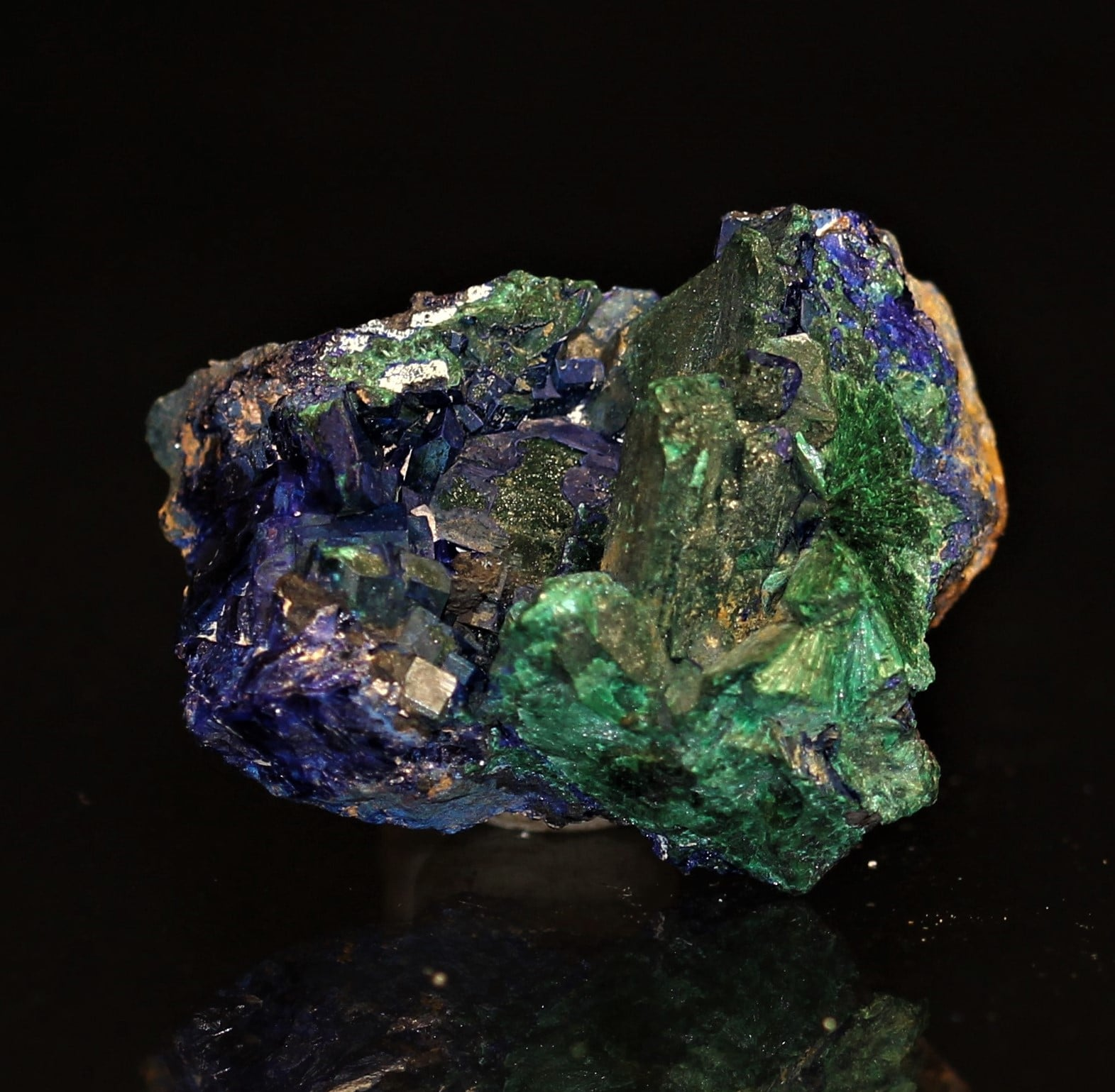 Pseudomorphose d'azurite en malachite, mine de Chessy, Rhône.