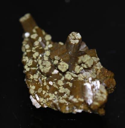 Pyromorphite de la mine des Farges, près d'Ussel, Corrèze.