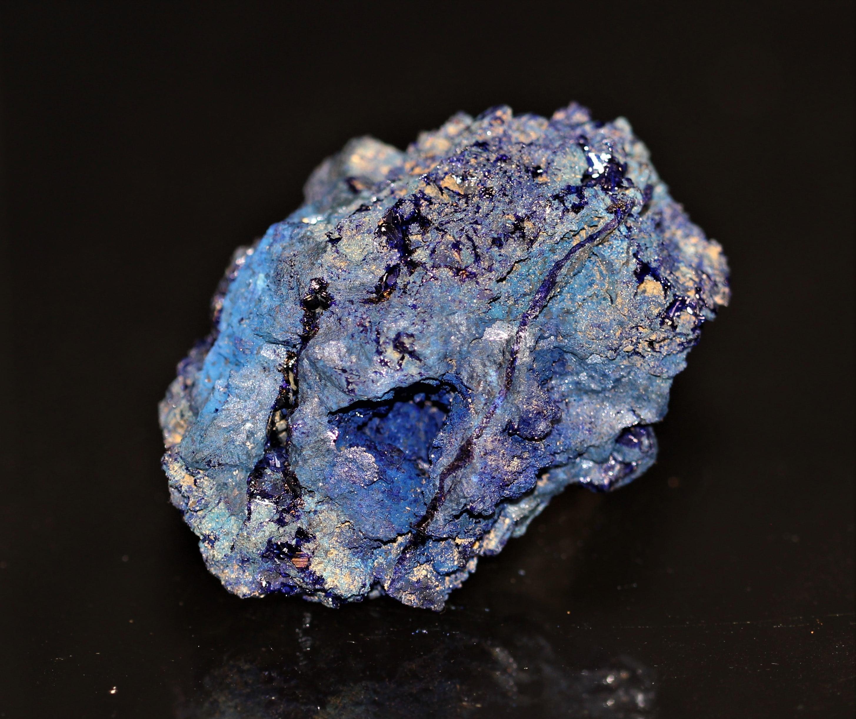 Nodule d'azurite bleu roy, mine de Chessy, Rhône-Alpes.