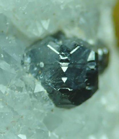 Sphalérite (Blende) de la mine de Les Porres dans le Var.