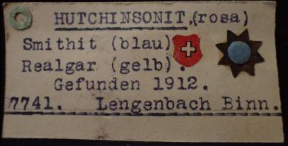 Hutchinsonite, smithite et realgar de Lengenbach, vallée de Binn en Suisse.