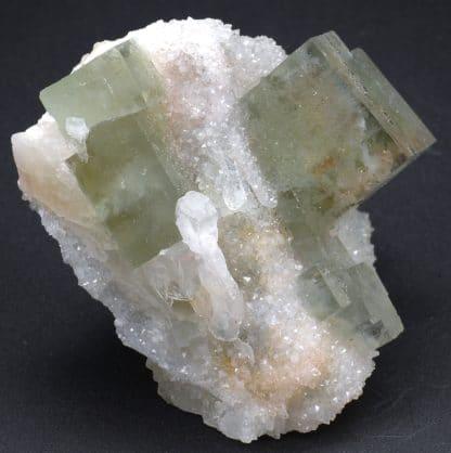 Fluorite, baryte et quartz, mine de L'Avellan, Var, France.
