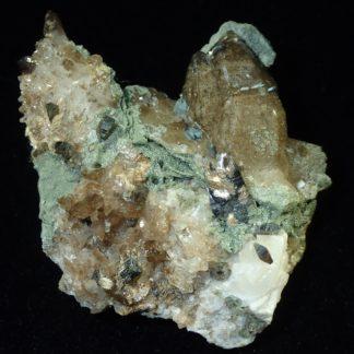 Anatase, rutile et quartz, Entre Deux Roches, La Lauzière en Savoie.