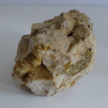 Pseudomorphose de calcite en quartz, Beaucouzé, Maine-et-Loire.