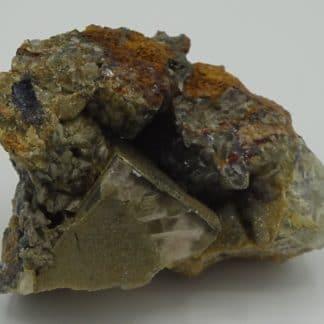 Fluorine et smithsonite, carrière du Rivet, Peyrebrune, Tarn.