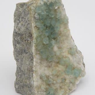 Fluorite verte sur quartz, Fiesch, Goms, Valais, Suisse.