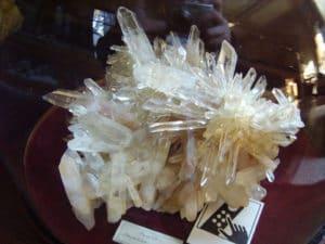 Sous globe, un quartz de La Gardette, Oisans, France, certainement de la fin 18ème.