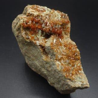 Grenat grossulaire et diopside, Val d'Ala, Piémont, Italie.