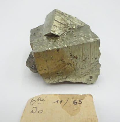 Pyrite maclée, Monticciano, Sienne, Toscane, Italie.
