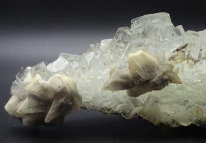 Calcite et Blende sur Fluorite incolore, Filon Blanc, Fontsante, Var.