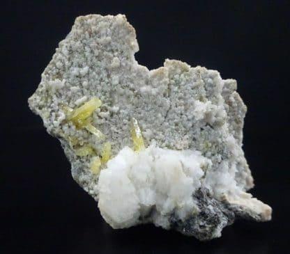 Mimétite prismatique, mine de Tsumeb, Namibie.