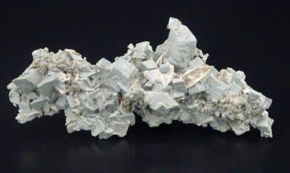 Titanite sur adulaire et chlorite, Valais, Suisse.