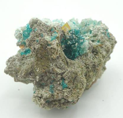 Dioptase et wulfénite, Mammoth-Saint Anthony Mine, Tiger, Arizona, USA.