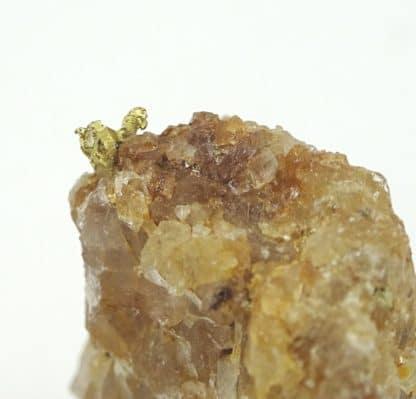 Or natif sur quartz, La Gardette, Villard-Notre-Dame, Oisans, Isère.
