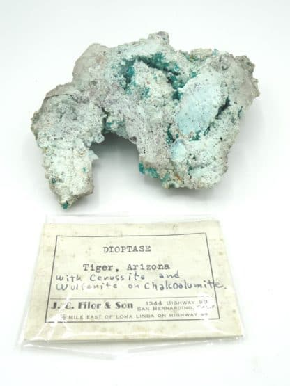Dioptase, wulfénite et cerusite, Mammoth-Saint Anthony Mine, USA.