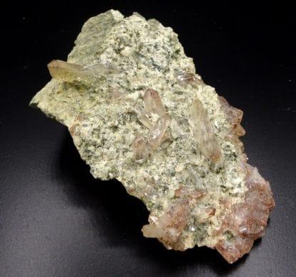 Quartz hématoïde sur quartzite, Bierghes, Belgique.