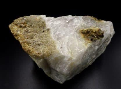 Anatases sur quartzite, carrière d'Opprebais, Incourt, Belgique.