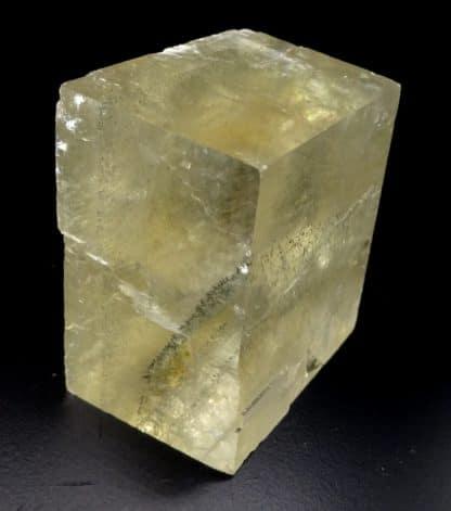 Calcite et pyrite, carrière du Boltry (Carmeuse), Seilles, Belgique.