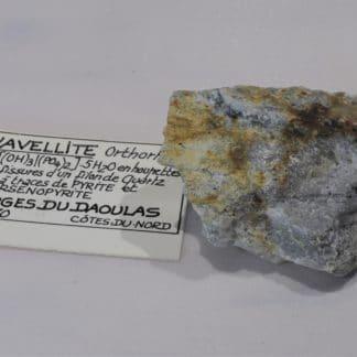 Wavellite, Pyrite et Arsénopyrite, Gorges du Daoulas, Cotes-d'Armor, Bretagne.