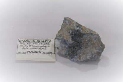 Stibine dans du Quartz, Nades, Allier, Auvergne.